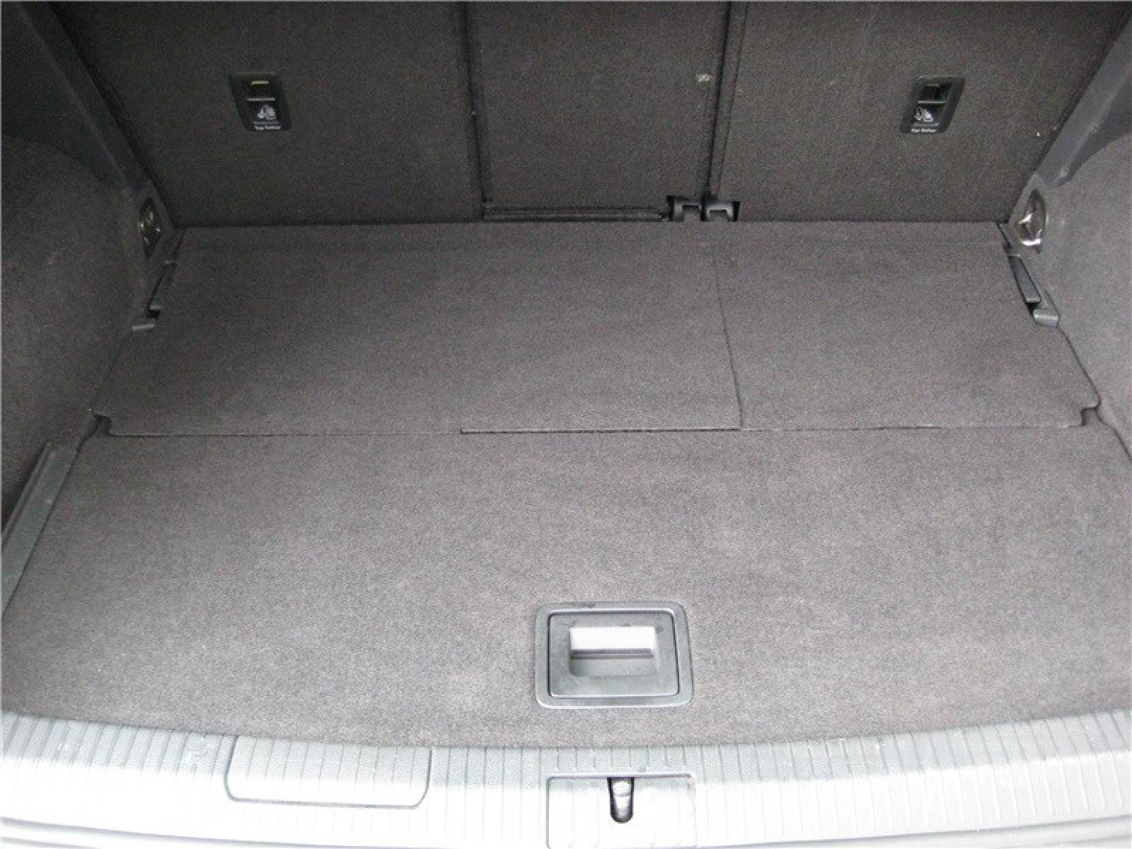 VOLKSWAGEN Golf Sportsvan 1.6 TDI 110 FAP BlueMotion Technology - véhicule d'occasion - LEMAUVIEL AUTOMOBILES - Présentation site web V2 - Lemauviel Automobiles - VIRE - 14500 - VIRE - 17