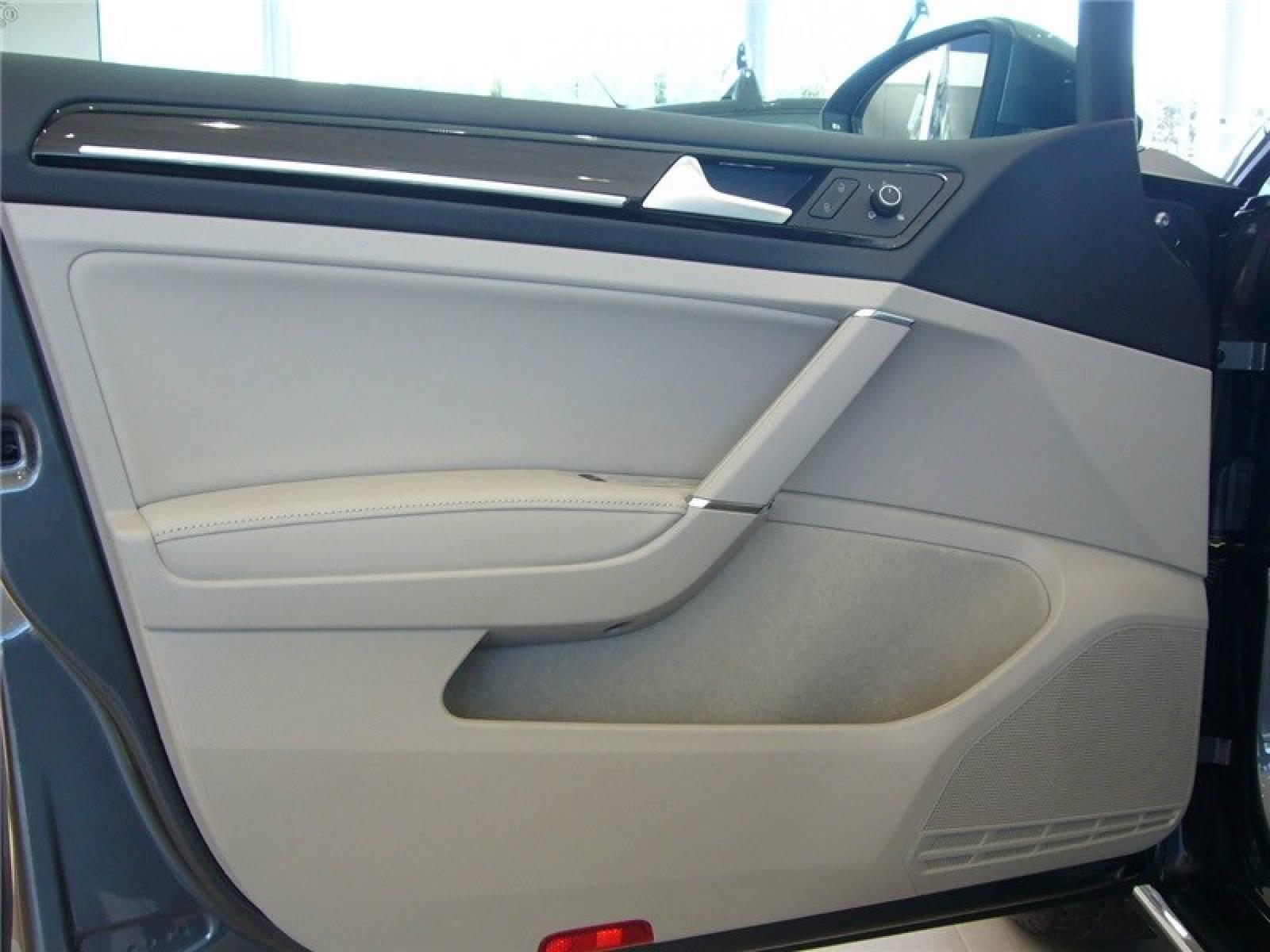 VOLKSWAGEN Golf SW 1.5 TSI 150 EVO BlueMotion Technology DSG7 - véhicule neuf - LEMAUVIEL AUTOMOBILES - Présentation site web V2 - Lemauviel automobiles - AVRANCHES - 50300 - LE VAL-SAINT-PÈRE - 5
