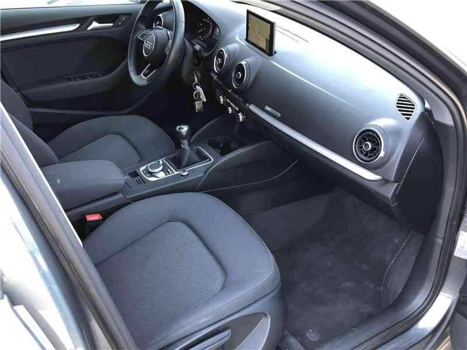 AUDI A3 Sportback 1.6 TDI 110 - véhicule d'occasion - LEMAUVIEL AUTOMOBILES - Présentation site web V2 - Lemauviel automobiles - AVRANCHES - 50300 - LE VAL-SAINT-PÈRE - 2