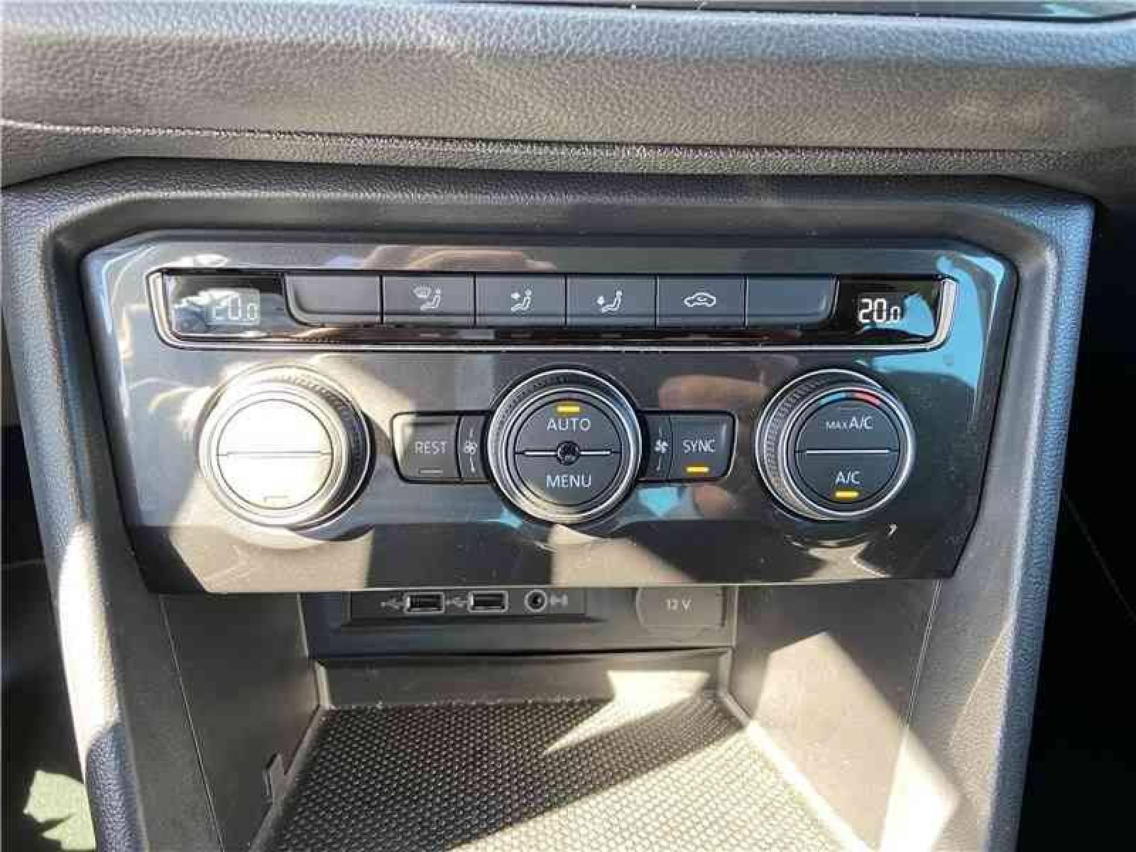 VOLKSWAGEN Tiguan 1.5 TSI EVO 150 - véhicule d'occasion - LEMAUVIEL AUTOMOBILES - Présentation site web V2 - Lemauviel Automobiles - VIRE - 14500 - VIRE - 17